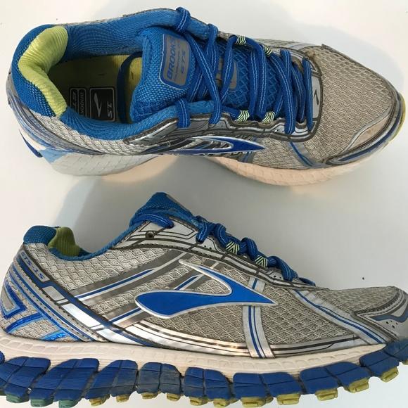 Women Adrenaline Gts 15 Running Shoe Sz